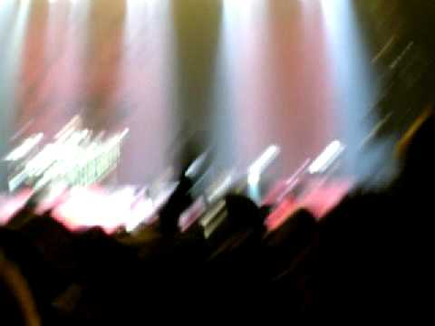 Three Days Grace singing Animal I Have Become In Portland 2010