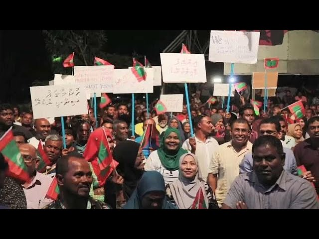 Maldives declares state of emergency as troops storm Supreme Court