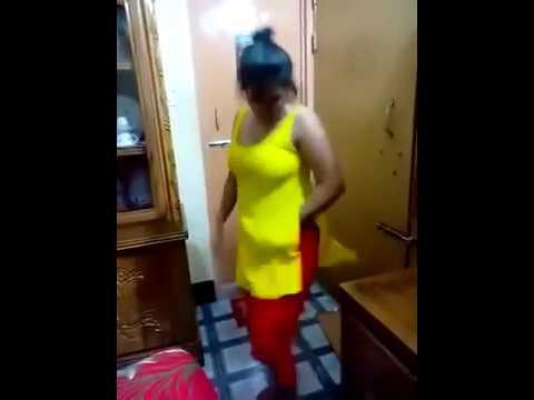 বাংলার মাল ফাটাফাটি নাচ thumbnail