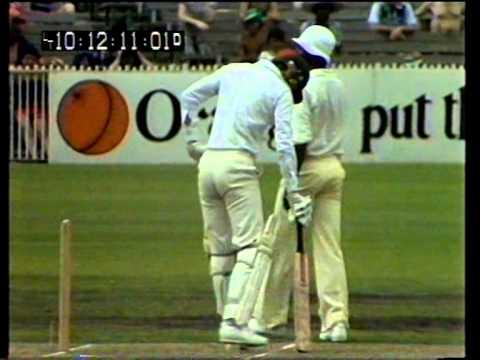 Classic fast bowling - Joel Garner v Greg Chappell at MCG December 1979