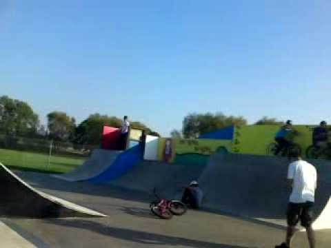 Double tailwhip and flair attempts