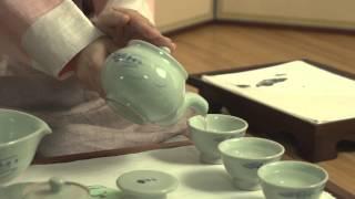 Traditional Korean Tea Ceremony by Yeonok Kim