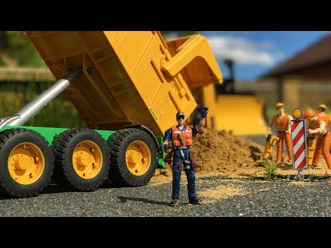 BRUDER TOYS construction SAND transport - New Hollande with Joskin tipping trailer