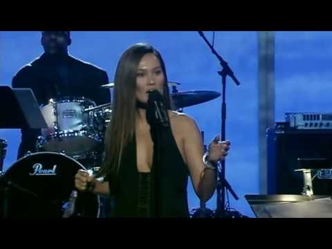 Grammy 2009  Tia Carrere and Daniel Ho  He Aloha Mele