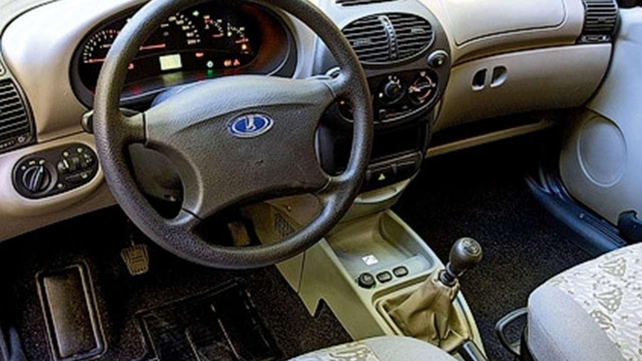 Что лучше ваз 2107 или ваз ока?. Сравнить 2107 и 1111 ока. Поломок пока нет, т. К. Автомобиль новый, я купил его с пробегом 1200 км выпуск 2005.