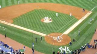 Captain Chesley Sullenberger throws out first pitch