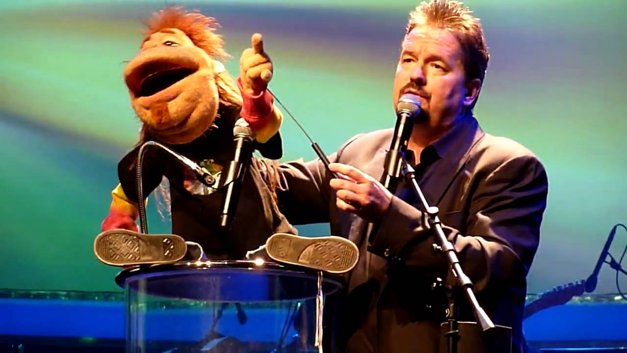 terry fator rocker dougie the annoying neighbor live at the mirage las vegas 03 06 10 youtube. Black Bedroom Furniture Sets. Home Design Ideas