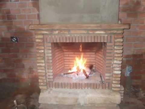 Como hacer una chimenea r stica de ladrillos youtube for Chimenea de gas en un piso