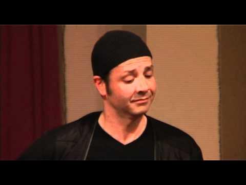 """Karim Nagi performs """"Flying Heavy"""" on Buzuq @ San Lo"""