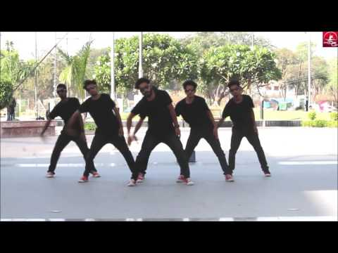 Group Dance On Malhari| Vipin Sharma Choreography | UNIQUE DANCE CREW |