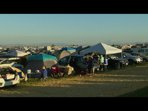 Oregon town welcomes eclipse