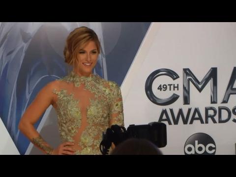 CMA Awards Red Carpet: Colgate Smile Cam | CMA Awards 2015 | CMA