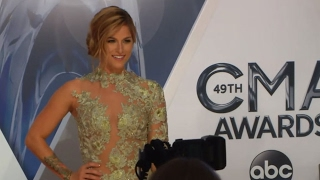 CMA Awards Red Carpet: Colgate Smile Cam