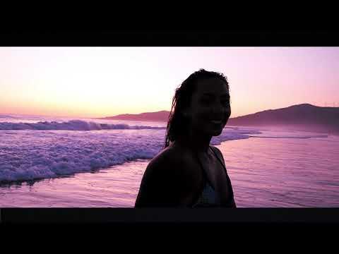 """<p>Una identidad propia y potente difusión a una de las zonas más paradisiacas y mejor equipadas del planeta</p>  <p><br /> No es nuevo, Malibú en Los Angeles, Copacabana, Playa del Carmen, Sunset Bulevar….ahora se suma Los Lances Beach Bulevar tras estudiar todos estos casos de éxito.Una apuesta por el Winter.Summer en Tarifa</p>  <p>&nbsp; &nbsp;<img src=""""/media/getout/images/2020/02/06//2020020614413974402.jpg"""" /></p>  <p>FITUR acogió ayer la presentación de un proyecto abocado a desestacionalizar el turismo en Tarifa, el alcalde de Tarifa, su delegada de turismo y el vicepresidente de Mancomunidad estuvieron en el evento presentado por Carlos Rodríguez, responsable de Arcadia Media.</p>  <p>Bienvenido al Winter-Summer de Tarifa, actividades los 12 meses del año: Eres lo que vives</p>  <p>Proyectar y difundir la imagen que todos soñamos tener cerca y hacerla realidad. Dotar al lugar que nos acoge de una comunicación e identidad propia, original y vanguardista que atraiga cada vez más compradores nacionales y extranjeros.</p>  <p>DESESTACIONALIZAR EL TURISMO EN TARIFA</p>  <p>No es nuevo, Malibú en Los Angeles, Copacabana, Playa del Carmen, Sunset Bulevar….ahora se añada Los Lances Beach Bulevar tras estudiar todos estos casos de éxito.</p>  <p>Una estrategia definida y constante, Un calendario de 12 meses, el """"Winter-Summer"""" de Los Lances Beach Bulevar.</p>  <p>LLBB &nbsp;Tarifa se desarrolla con un calendario de actividades anuales que abarcan desde una Galería de Arte al aire libre entre el Mediterráneo y el Atlántico, &nbsp;a eventos infantiles (motor de la familia), conciertos, teatro de calle, concursos fotográficos interactivos, competiciones deportivas, solidarias, &nbsp;gastronómicas o culturales por poner sólo algunos ejemplos.</p>  <p>""""Los Lances Beach Bulevar es algo vivo y abierto"""" con la vocación de dotar de una identidad propia y potente difusión a una de las zonas más paradisiacas y mejor equipadas del planeta,</p>  <p>""""Soñemos juntos, imagina una """