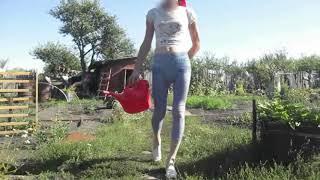 prishla-s-raboti-pereodevanie-video