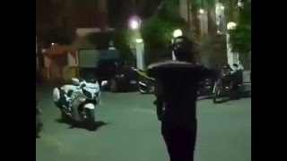 """بالفيديو.. شاب للشرطة: """" لم تتعلموا من درس مبارك.. والدور عليكوا المرة الجاية"""""""