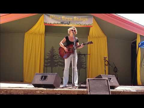 Samantha Fish Acoustic Set   California Worldfest Grass Valley 2018-07-15