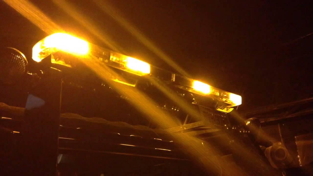Amber led tow truck lightbar youtube aloadofball Images