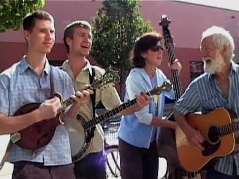Sitting on Top of the World - Abbott Family (mall bluegrass)