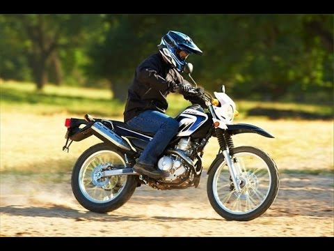 Yamaha XT250 exhaust sound, acceleration and fly by compilation
