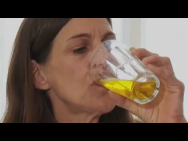 She's Addicted to drinking her own urine