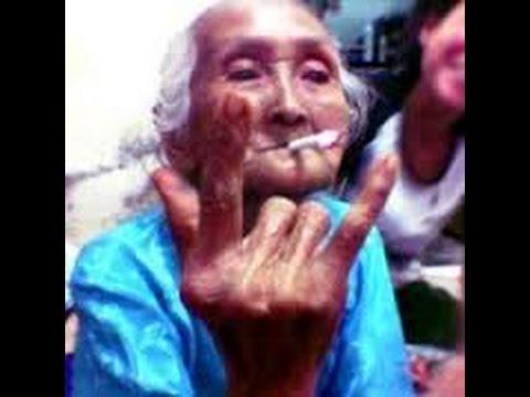 Nenek Gaul Lucu Lagi Nyanyi Suarmerdu