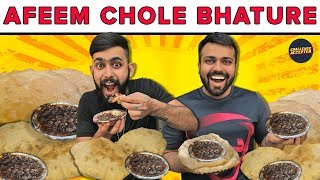 Afeem Wale Chole Bhature Eating Challenge | Shahdara | Street Food Delhi | Challenge Accepted