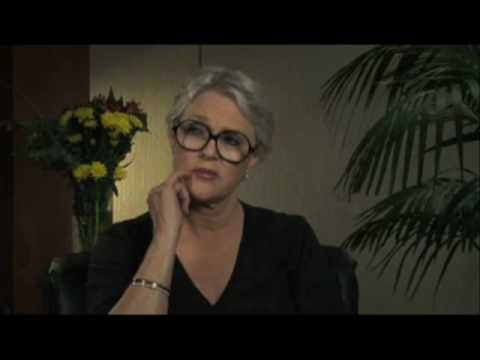 "Sharon Gless discusses ""Burn Notice"" - EMMYTVLEGENDS.ORG"