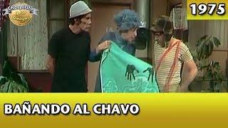 El Chavo | Bañando Al Chavo (Completo)