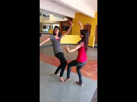 Sexy girls dancing stunningly on nimma pandu