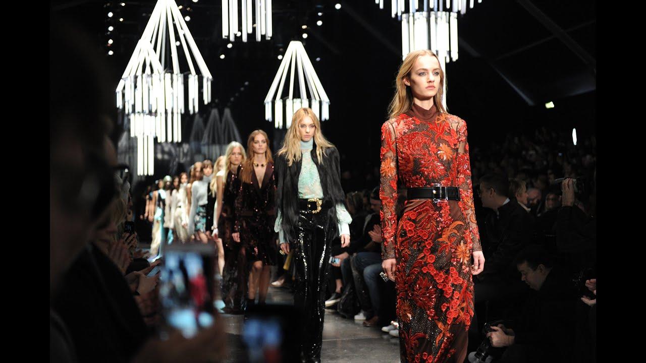 new arrival bec8a 56c72 Roberto Cavalli Woman FW 2015-2016 Fashion Show