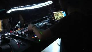 LEON PLAYS GIACOMO GREPPI & OCU - ONILLEL (PROMO IWW MUSIC) @ WAKE UP (BO) 15:04:2012 .MOV