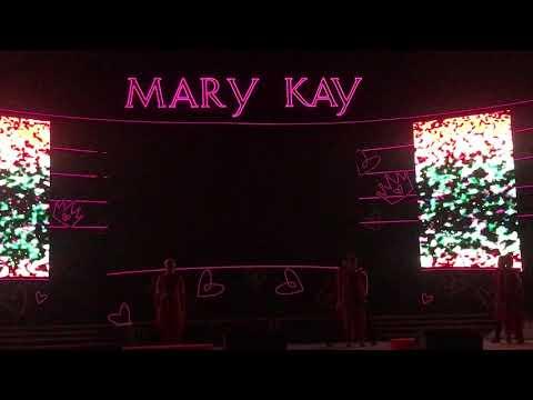 Этот Мир полон ярких историй, событий! Поют - сотрудники Компании Мэри Кэй!