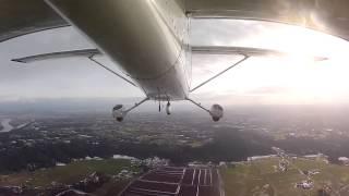 Полет на самолете Cessna 172(Cessna 172 -- безусловно самый распространенный самолет в мире. Это самый массовый самолет в истории мировой..., 2013-08-08T10:12:18.000Z)