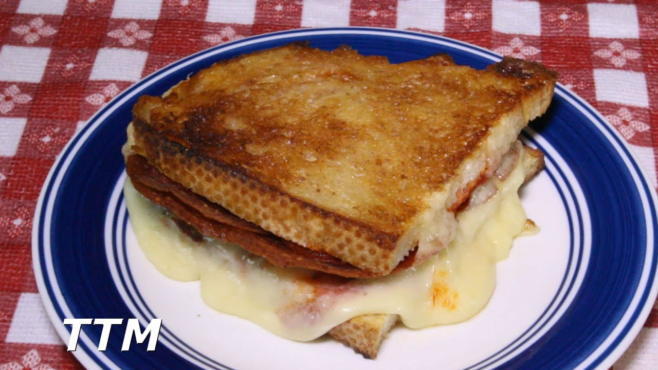 How to Make a Pizza Grilled Cheese Sandwich in the Toaster Oven
