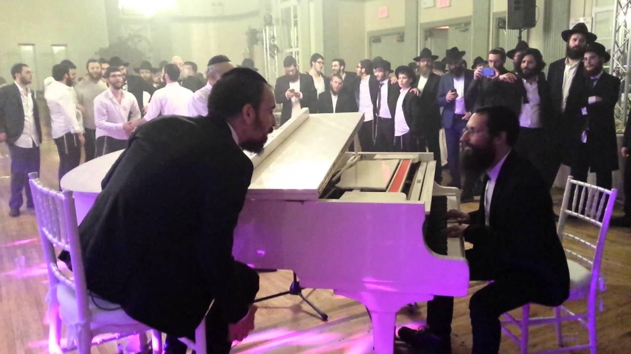 נמואל הרוש במחרוזת שירים שקטים בחתונה בניו יורק