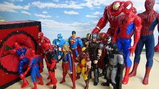スパイダーマン アイアンマン キャプテン・アメリカ マーベルアベンジャーズが赤いスポスポブロックボックスに突入