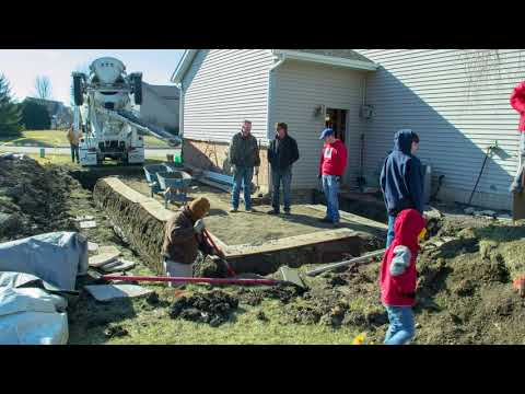 02 Garage addition for my woodshop - pouring the footings