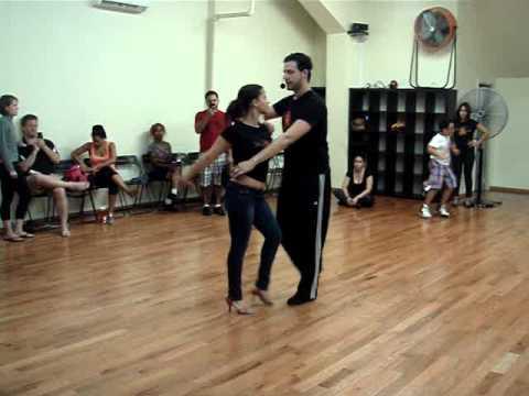 Salsa Dance Classes in Manhattan - Nieves Latin Dance Studio