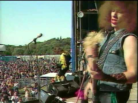 Twisted Sister - Under The Blade  Reading 1982
