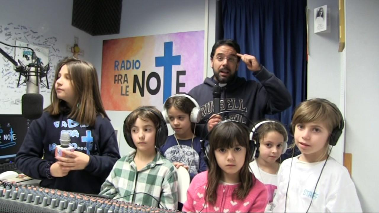 Strade Dorate: domenica 12 marzo 2017 Don Roberto Fiscer commenta il  Vangelo per i ragazzi - YouTube