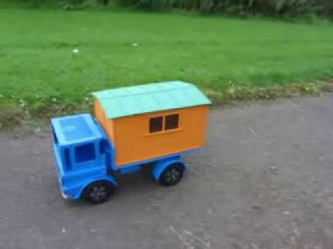 A cardboard model of the matchbox leyland site hut truck for Making hut with waste material