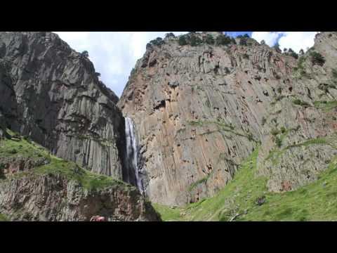 Загадка в Чегемском ущелье, КБР,  у подножия водопада Абай-су