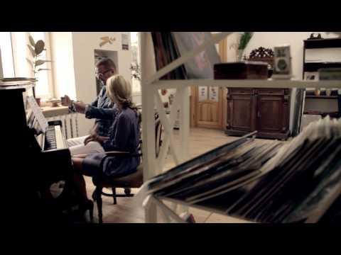 Смотреть клип Андрей Ковалев И Агата Муциниеце - А Мне Все Снятся Твои Глаза