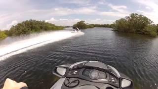 Yamaha FX SHO Cruiser versus Kawasaki STX 15F jetski  top speed running