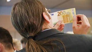 """EZB stellt neue große Euro-Scheine vor: """"noch sicherer"""""""