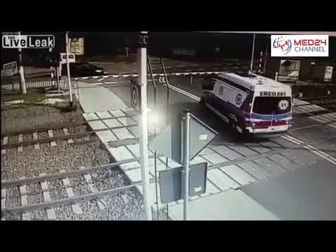 Tragico incidente in Polonia: ambulanza travolta da un treno