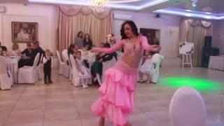 Танец Подарок от гостьи на свадьбе 19.11.16