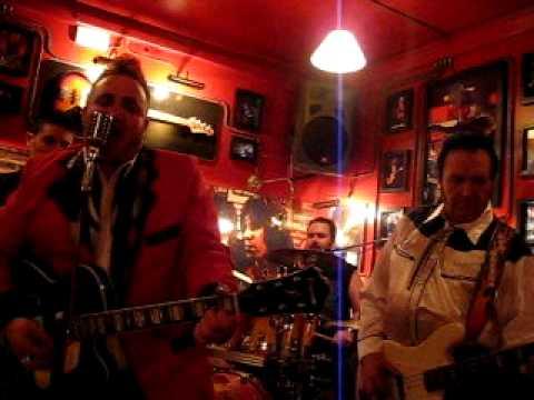 Los Dalton  Rock and roll Guzzi en  VillaCarrillo Jaen.11/03/2011