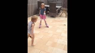 Уроки катания на роликах от Яны!